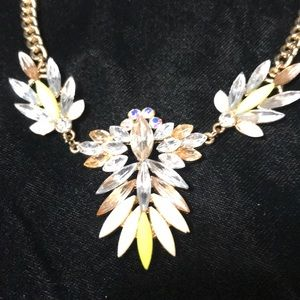 Jewelry - Gold Statement Necklace w Rhinestones